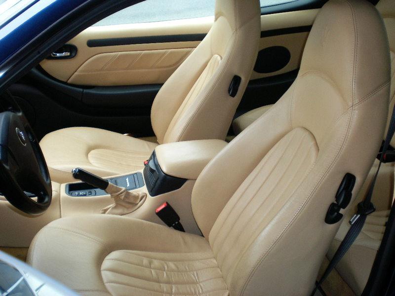 Maserati Cupe Cambiocorsa D車のサムネイル