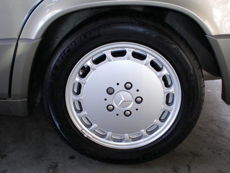 Mercedes Benz190E2.6 SPORTLINEのサムネイル