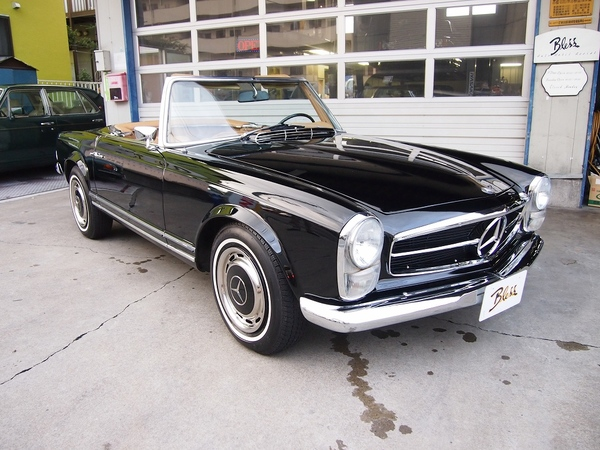 Mercedes Benz280SL (W113)