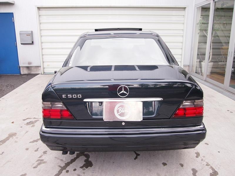 Mercedes Benz E500 LTDのサムネイル