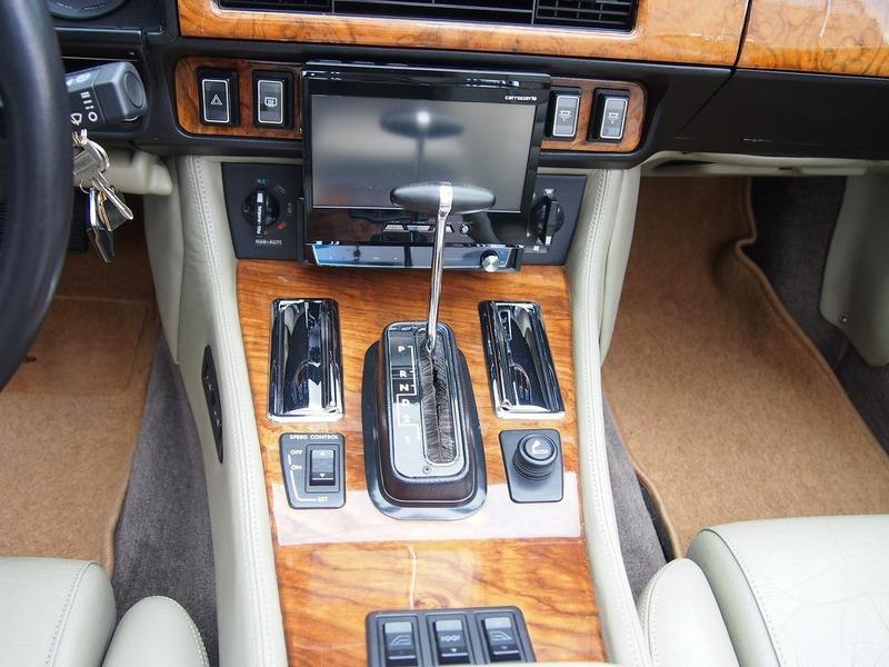 JAGUAR XJ-S V12 Convのサムネイル