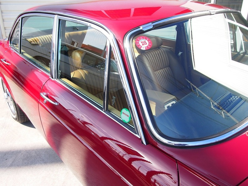 Jaguar XJ6L 4.2のサムネイル