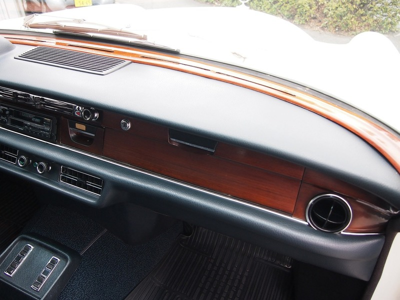 Mercedes Benz280SEL 3.5のサムネイル