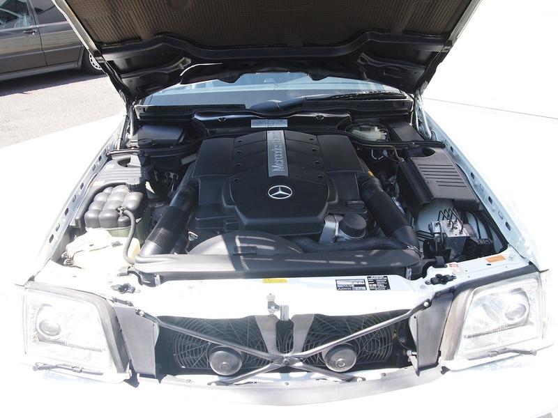 Mercedes Benz SL500のサムネイル