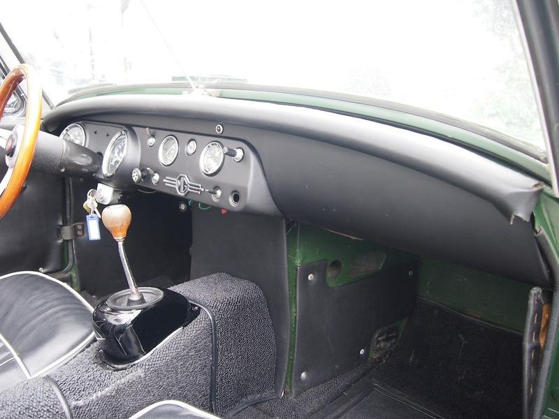MG MIDGET MkⅡ1100のサムネイル