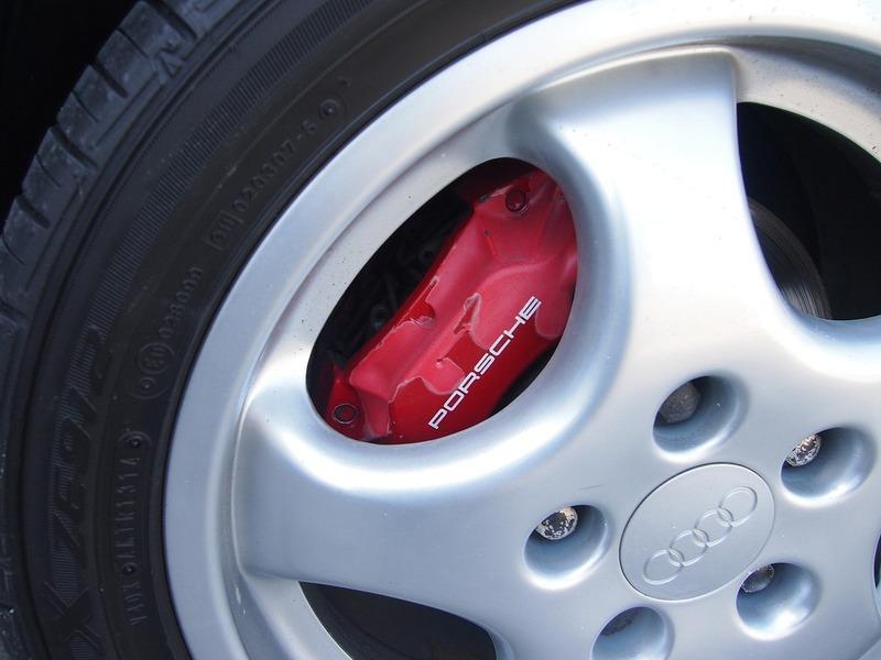 AUDI RS2のサムネイル