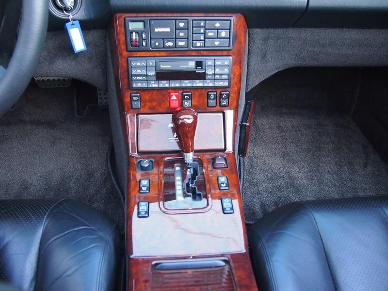 M.BENZ500SLのサムネイル
