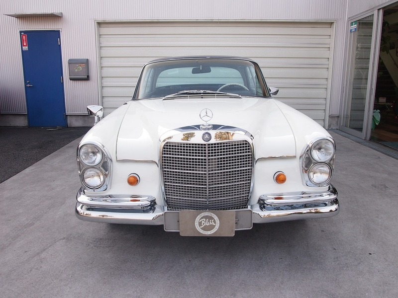 Mercedes Benz280SE Coupeのサムネイル
