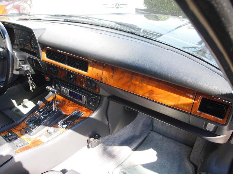 JAGUAR XJ-S6.0 V12 Convのサムネイル