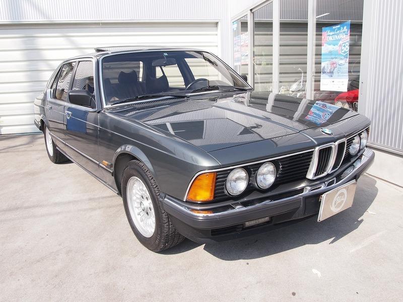 BMW 745i (E23)のサムネイル