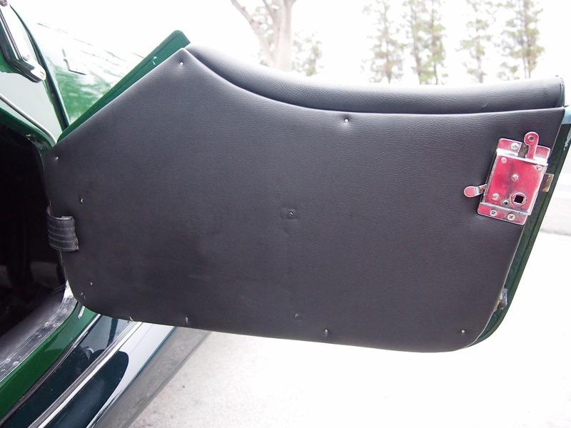 MORGAN 4/4 1600 4-Seaterのサムネイル