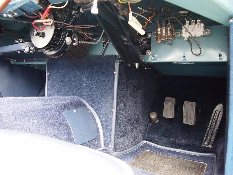 AustinHealey 100/4(BN1)のサムネイル
