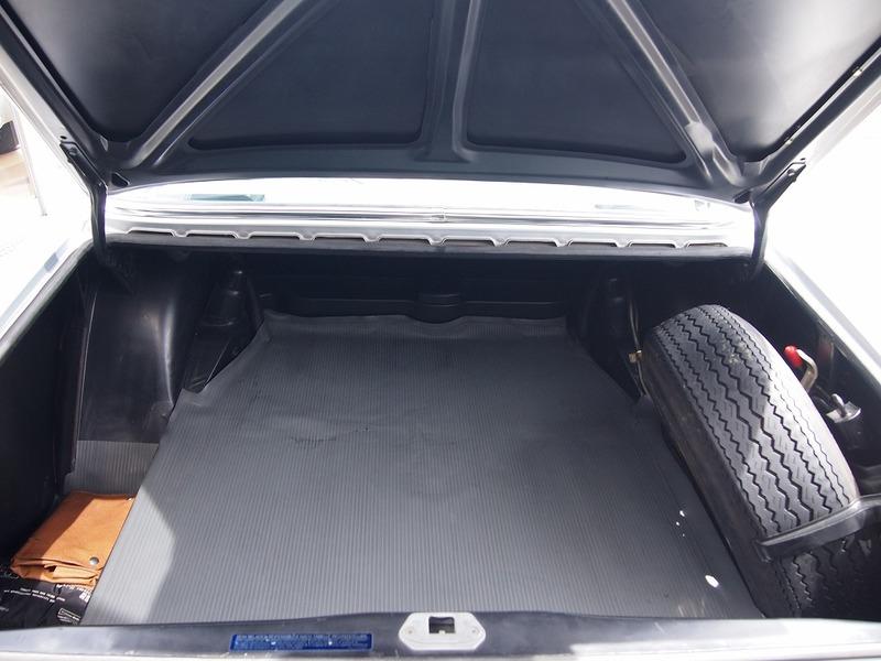 M.Benz300SEL 3.5のサムネイル