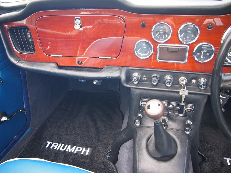 TRIUMPH TR-4A IRS D車のサムネイル